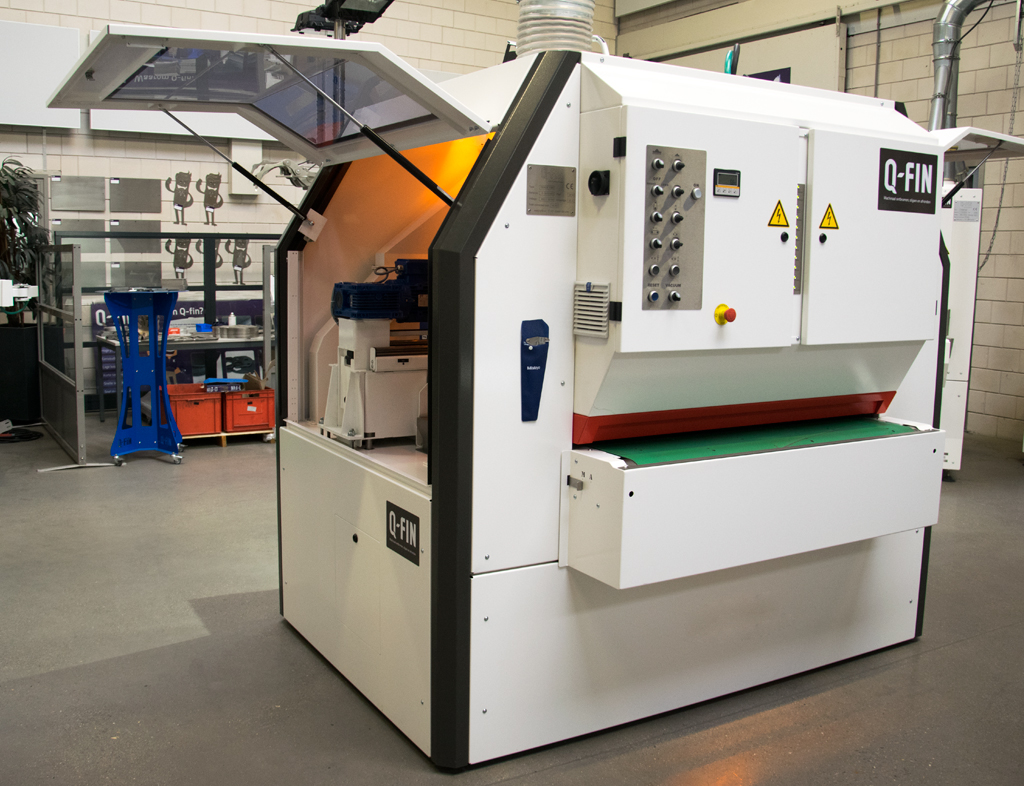 Aluminium deburring machine